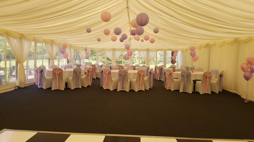 Inflate2Create Setting Up at Wedding Fayre 13