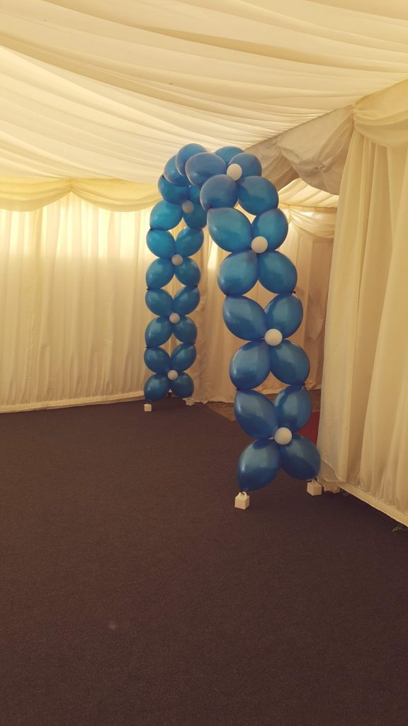Inflate2Create Setting Up at Wedding Fayre 14